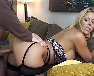 Hot milf pornstar copulates fellow - dirtyyycams.com