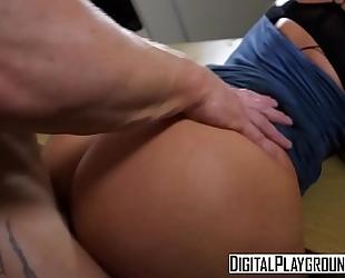 Xxx porn movie - the recent BBC slut video 1 (nicolette shea, luke hardy)