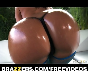 Jada stevens twerks her oiled up a-hole on camera