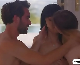 A steamy 3some with oriental marica hase and stella cox