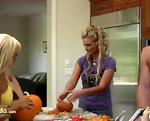 Phoenix marie and jessica lynn screwed after pumpkin carving
