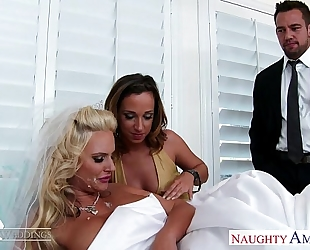 Sexy honeys jada stevens and phoenix marie share weenie at wedding