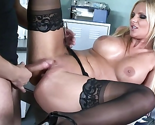 Busty chick sex in dark nylons and high heels