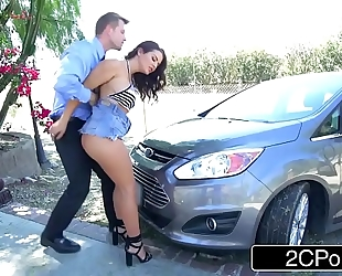 Horny doxy keisha grey copulates police officer to save her boyfriend from a ticket