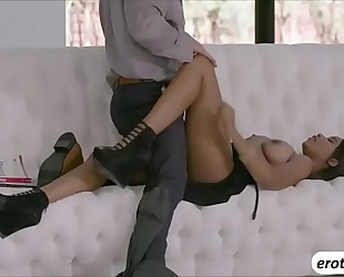 Alluring chick jenna foxx fucking a hunk instructor