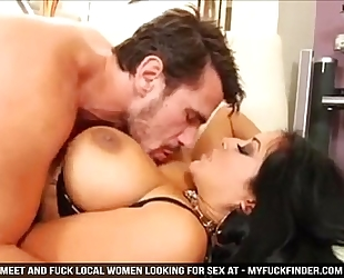 Stunning kiara mia copulates large hard wang