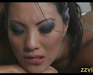 Gorgeous oriental babe asa akira screwed after massage