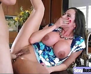 Sex on tape with large round milk shakes milf (ariella ferrera) movie-04