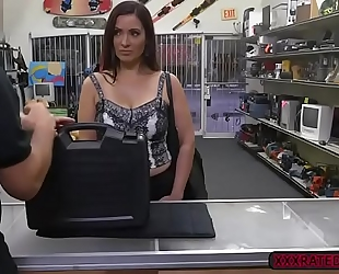 Latina milf sophie leon sucks shlong in the pawnshop