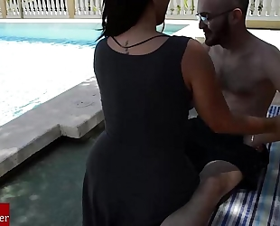 A massage at the pool ends in food pecker and cum in her face