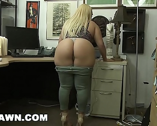 Xxxpawn - thick sweetheart nina kayy makes that pawn shop money, hottie! (xp14882)