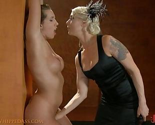 Mistress lorelei lee fingers her serf until this babe cums