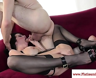 Veronica avluv deepthroats his hard weenie