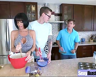 Mature housewife (veronica avluv) with large juggs have a fun intercorse movie-28