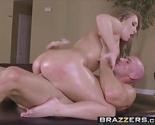 Brazzers.com - smutty masseur - (harley jade, johnny sins) - slip into my dms