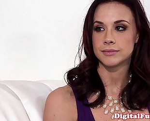 Chanel preston gratified with 2 knobs
