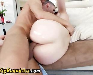Big assed hottie takes ramrod
