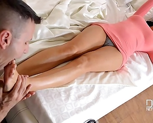 Jasmine jae a dickalicious foot massage