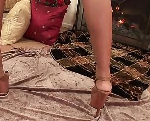 Wankz- priya rai orgasms using vibrator