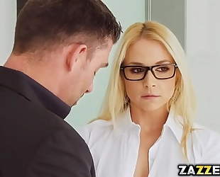 Blonde sarah got double permeated by 2 large rods