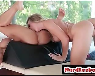 Sensual oil massage turns to hawt lesbo act - cali carter and zoey taylor