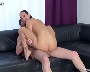 Male pornstar try to get mea melone and cum in her face hole