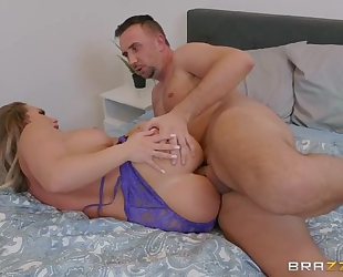 Yummy bitch gets eaten out and anally fucked in bed