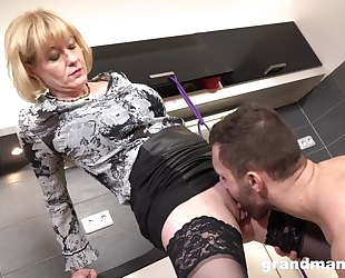 Cock-loving housewife with juicy melons banged in the kitchen