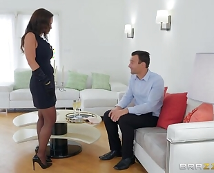 Glamorous MILF in sexy stockings gets fucked in both holes