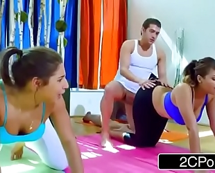 Yoga class turns into freaky foursome - abella danger, cassidy banks