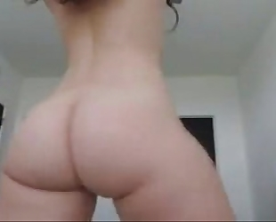 Whitegirl twerks large butt arse & disrobes - greater amount whooty at cam2flirt.com