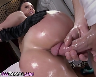 Mature big assed ho fucks