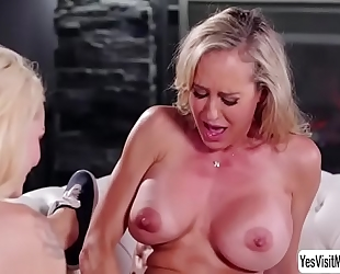 Teen blond elsa jean and her lesbo stepmom brandi love grinds her wet crack into