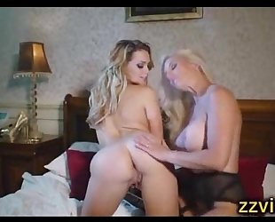 Mia malkova sami jane lesbo plays on couch