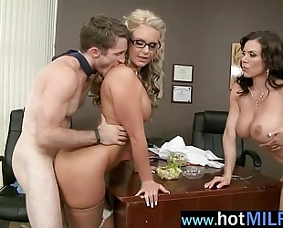 (kendra phoenix) hot aged slutty wife like to play with biggest weenie as a star mov-17