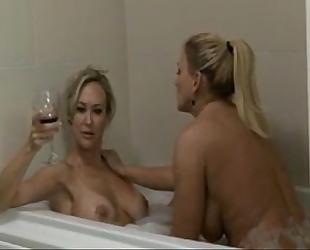 Lesbian 2 mammas sexy